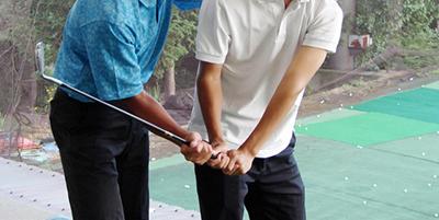 パッティングの正確性を上げる秘訣 『グリップの握り方編』【UGMゴルフスクール成城店】