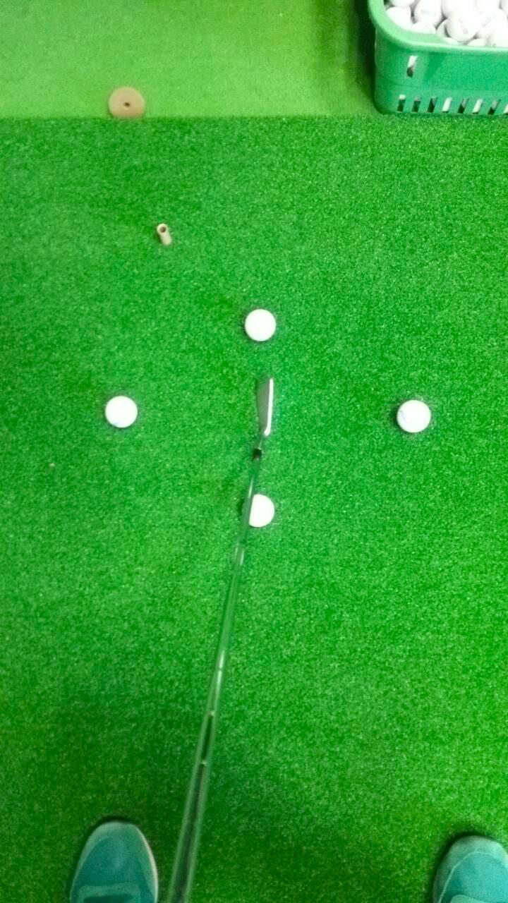 ボールポジション(ボールの位置)について〜上達のヒント「中級編」〜【UGMゴルフスクールジェクサー赤羽店】