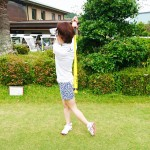ラウンド前に逆方向への素振り【UGMゴルフスクール新大阪駅前店】