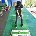 スイングの軌道を覚える 自分の特訓練習方法を会員様が挑戦の巻き【UGMゴルフスクール/セントラルフィットネスいなす店】